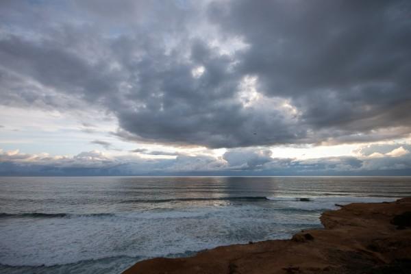 A tempestade aproxima-se da Ericeira. - ph. Fran Eirin