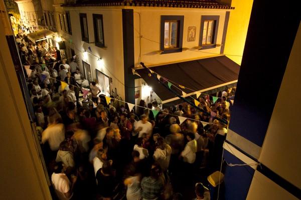 As ruas estiveram à pinha com visitantes. - ph. José Guerra