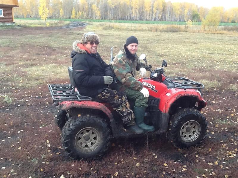 José Salvador numa caçada em Omsk, Sibéria.