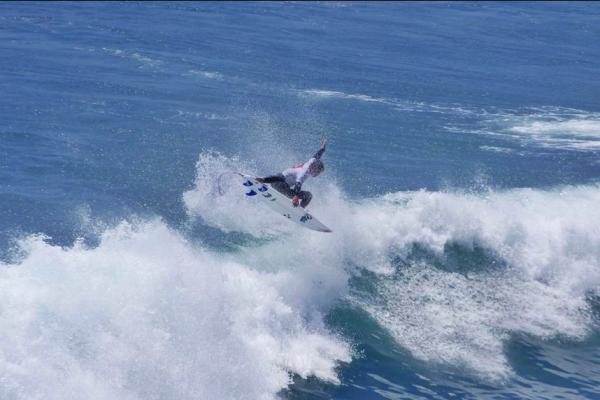 Surf na Ericeira. - ph. Ricardo Ribeiro