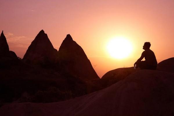 Yoga. - ph. Moyan Brenn