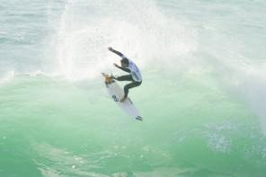 Surfistas da Ericeira no arranque da época internacional