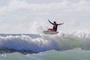 Ribeira d'Ilhas recebe Final do Campeonato Nacional de Surf Esperanças