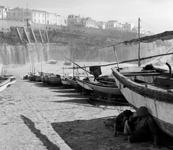 Fishing in Portugal 1950 - ph: Biblioteca de Arte Fundação Calouste Gulbenkian