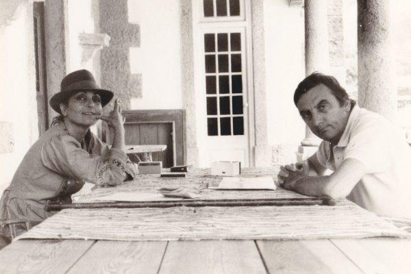 Paula Rego e o marido Vic Willing na Ericeira - ph. Manoela Morais.