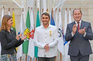José Estrangeiro entre a Vereadora do Desporto e o Presidente da Câmara Municipal de Mafra - ph. DR