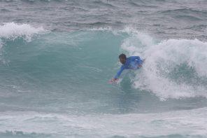 Rodrigo Carrajola vence Nacional de Bodysurf em Ribeira d'Ilhas