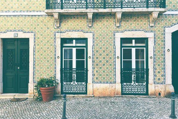 Casa azulejos Rua Mendes Leal - ph. Emily Claire Hughes