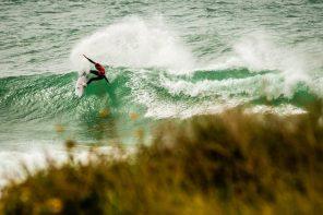 Luta pelos títulos nacionais de surf tem segundo acto em Ribeira d'Ilhas