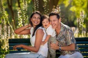 Fotógrafo oferece sessão familiar ao ar livre