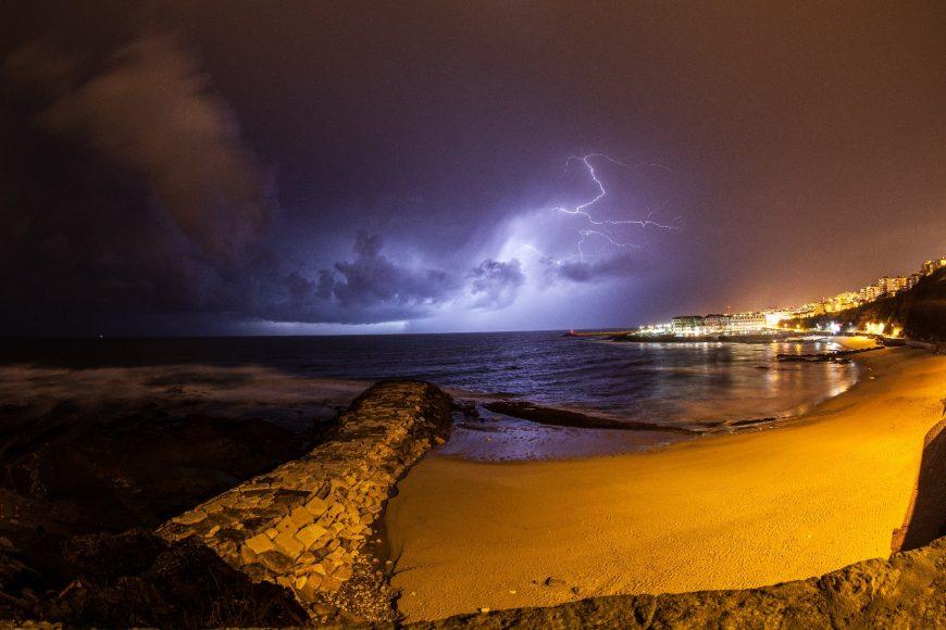 Rui Jorge Oliveira - Praia do Sul em noite de tempestade