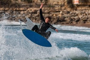 Skimboard world champion is passing through Ericeira